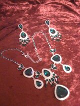 Hollywood Glamour Emerald & Silver Set of Jewelry in Leesville, Louisiana